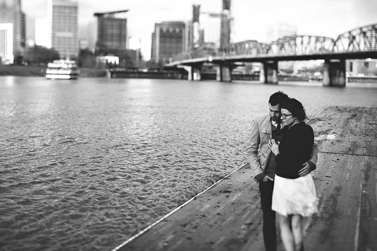portland waterfront park engagement photo 007