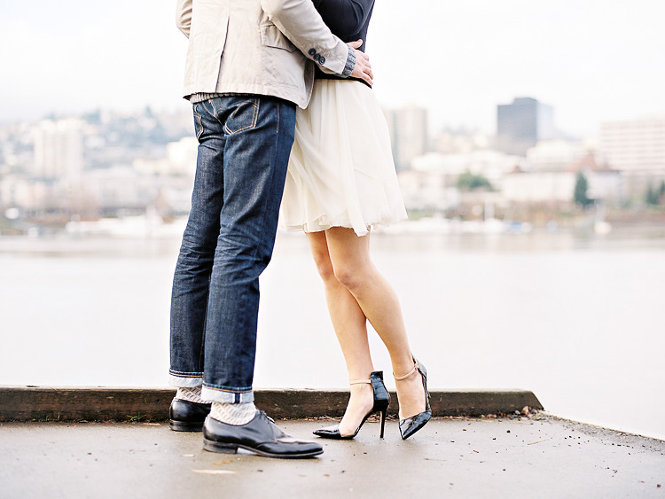 portland waterfront park engagement photo 010