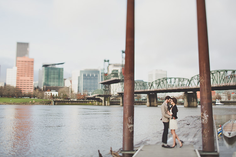 portland waterfront park engagement photo 006