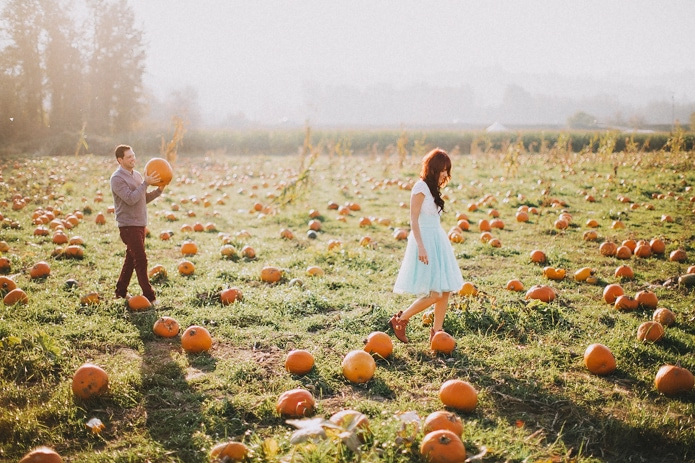 Pumpkin Patch Engagement Photos | Jena & Morgan