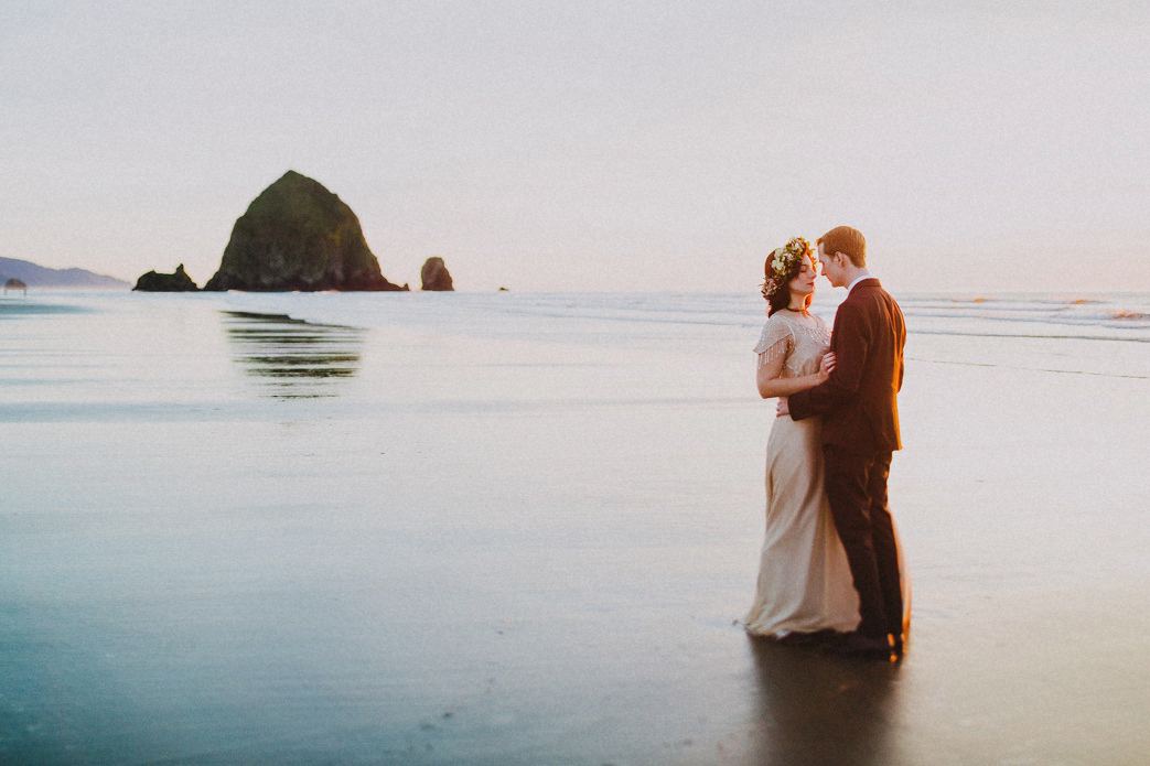 haystack rock bride and groom photo cannon beach portland oregon