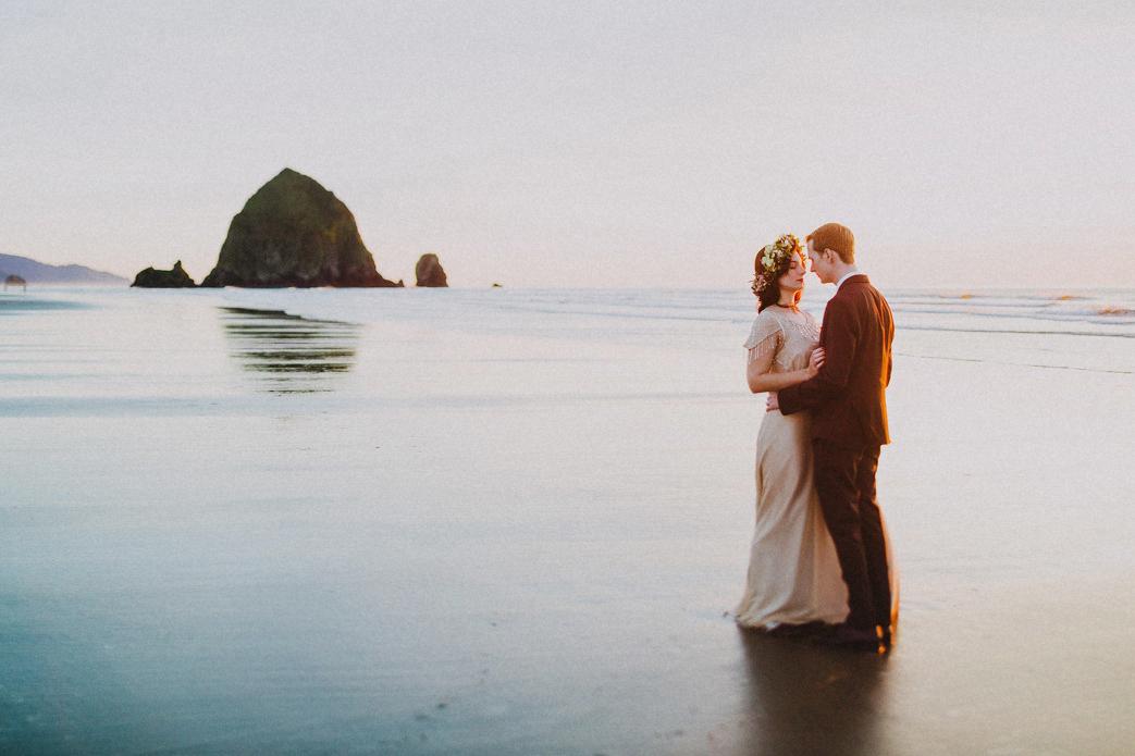 haystack rock bride and groom photo cannon beach portland oregon