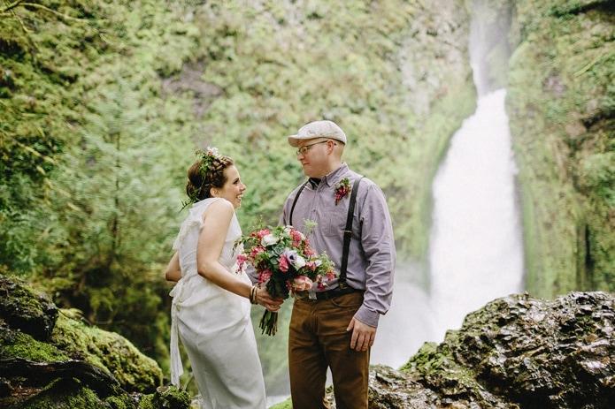 wahclella-falls-elopement-0011