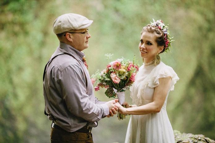 wahclella-falls-elopement-0014
