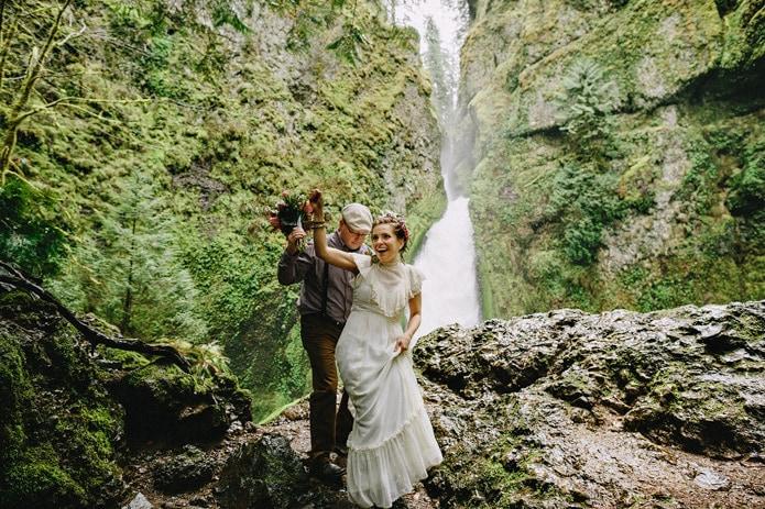 wahclella-falls-elopement-0016