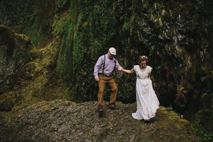 wahclella-falls-elopement-0030