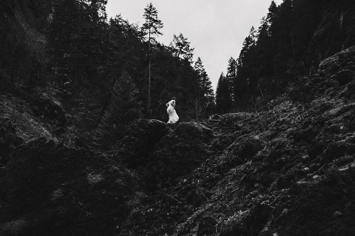 wahclella-falls-elopement-0043
