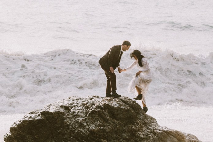 big-sur-elopement-photo-wave-0001