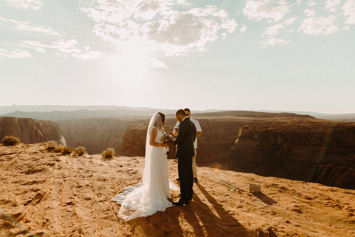 horseshoe bend wedding photo