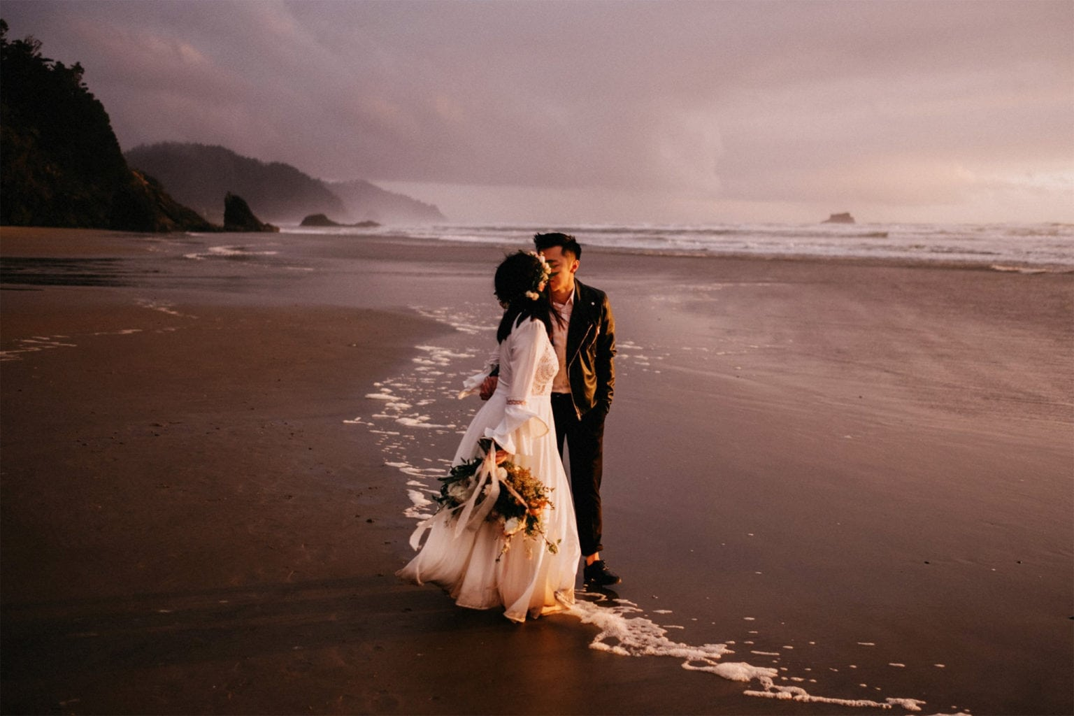 cannon beach wedding at sunset